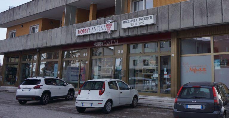 negozio-hobby-cantina-esterno